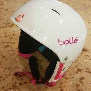 Bolle little girls white ski helmet 49-53 cm EUC